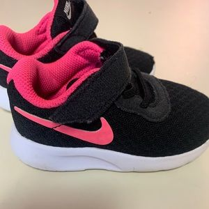 Toddler girl Nike sneakers